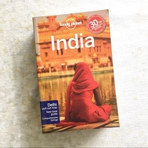🌿 Lonely Planet India Travel Guide Paperback 2011